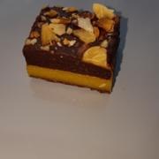 Produktbilde av appelsinmarsipan med sjokoladetrøffel konfekt
